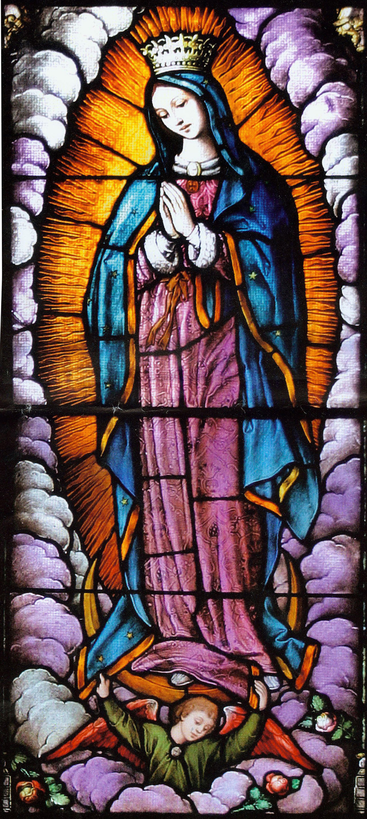Large close-up on Mary praying with purple cloud frame